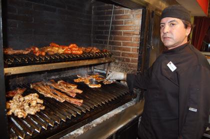 Eduardo Cáceres, propietario del Gaucho Grill, Salamanca