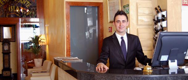 Miguel en el Hotel Rúa