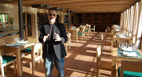 Sergi Arola en el comedor del Durius River Café, Salamanca