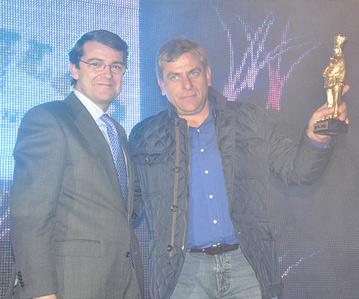Alfonso Mañueco junto a Germán, de Casa Paca