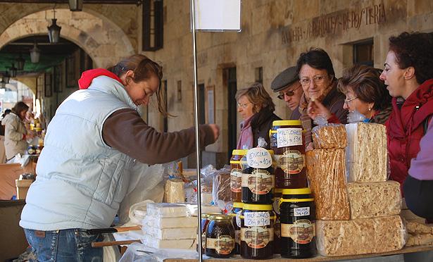 Turroneras de la Alberca en los soportales de la Plaza Mayor