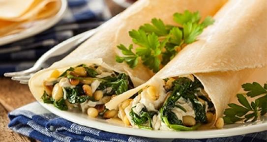 Receta de crepes rellenos de espinacas y queso feta - Ingredientes para crepes ...